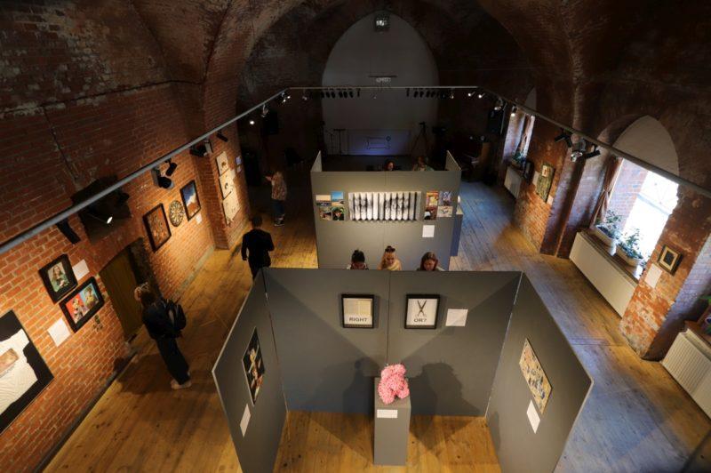 Выставка «Долг», арт-пространство «Ворота», июль 2020 г.